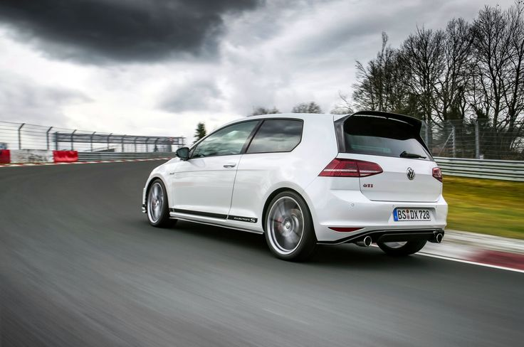 Image for Volkswagen Golf GTI Clubsport S Pure White Exterior