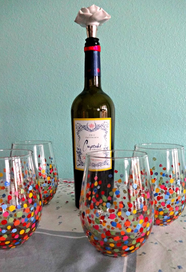 DIY handpainted wine glasses !