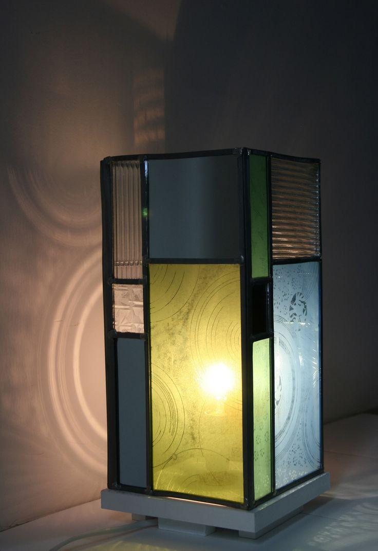Lampe en verre, motifs mousseline. : Vitraux par les-lampes-by-aurelie-miet