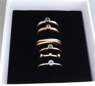 BIZOE - Komplet 6 złotych pierścionków /obrączek http://www.gemstudio.pl/pl/p/BIZOE-Komplet-6-zlotych-pierscionkow-obraczek/254