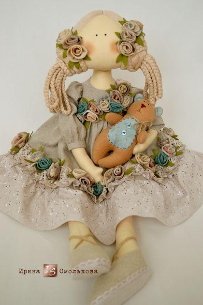 Natalie (повтор). Это повтор моей авторской куколки. Уж очень полюбился этот образ моим покупателям! Кукла достаточно большая, около 85 см в полный рост. Работа сделана на заказ.    Можно сказать, что это на 95% эко-кукла ))   Платье сшито из…