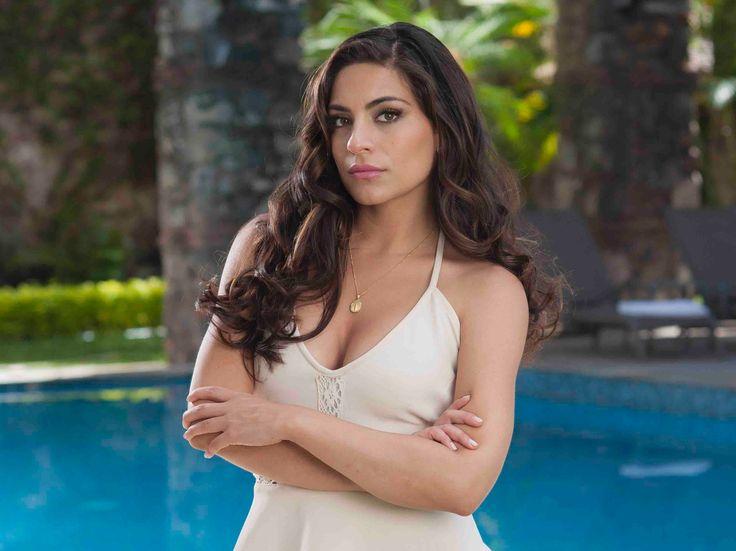 Verónica (Ana Brenda Contreras) celosa, le exigirá a Martín (Iván Sánchez) aún convaleciente, porque le oculto que Claudia (Alicia Machado) iría a Mina Escondida.