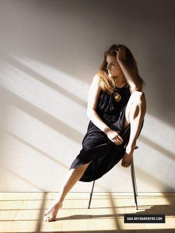 Telegraph - 002 - Amy Adams Fan - The Gallery
