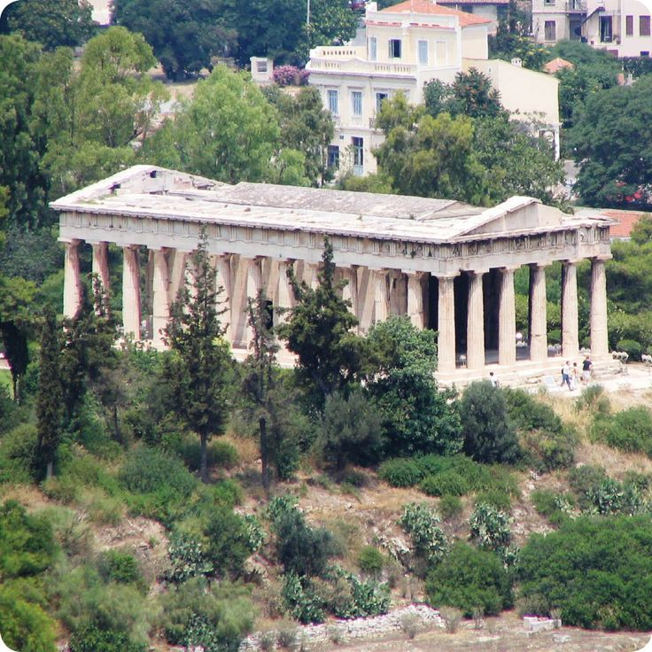 #Athens Εξερευνήστε τα μυστικά της Αθήνας, στις μικρές γειτονιές της και στα σοκάκια της.