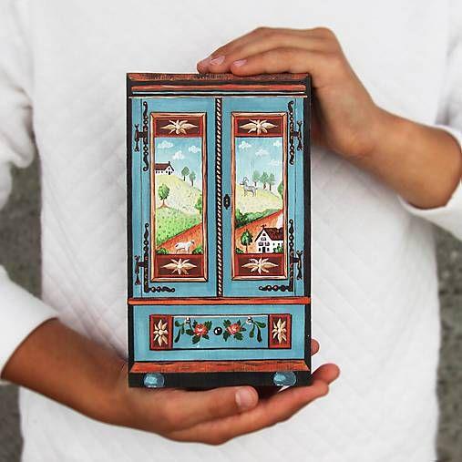 TalkFolk / Miniatúrna starožitná skrinka - Rakúsko