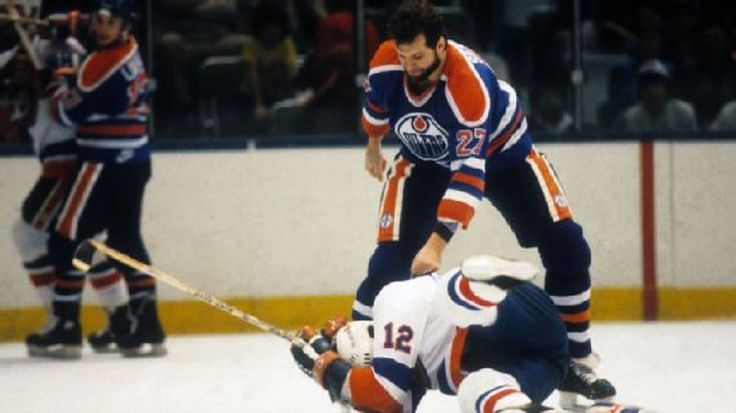 Dave Semenko, the Edmonton Oilers tough guy who protected Wayne Gretzky during the 1980s, has died. He was 59....