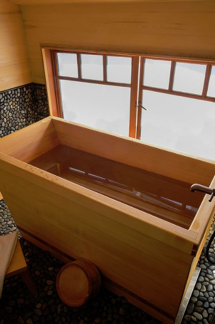 Superb Best 25+ Wooden Bathtub Ideas On Pinterest | Wood Bathtub, Asian Bathtubs  And Small Soaking Tub