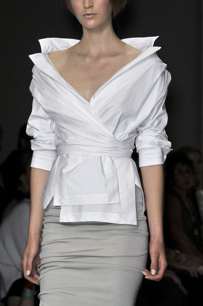 Donna Karan ~ classic white blouse in interesting style