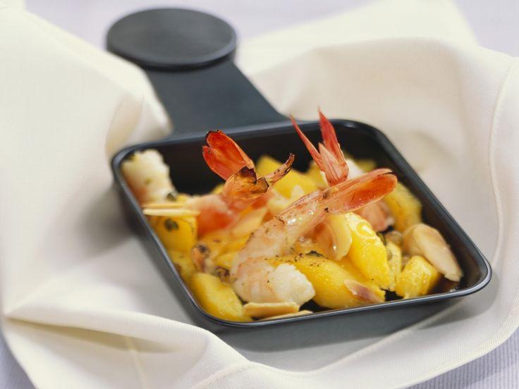 Raclette mit Mango und Garnele   Zeit: 40 Min.   http://eatsmarter.de/rezepte/raclette-mit-mango-und-garnele