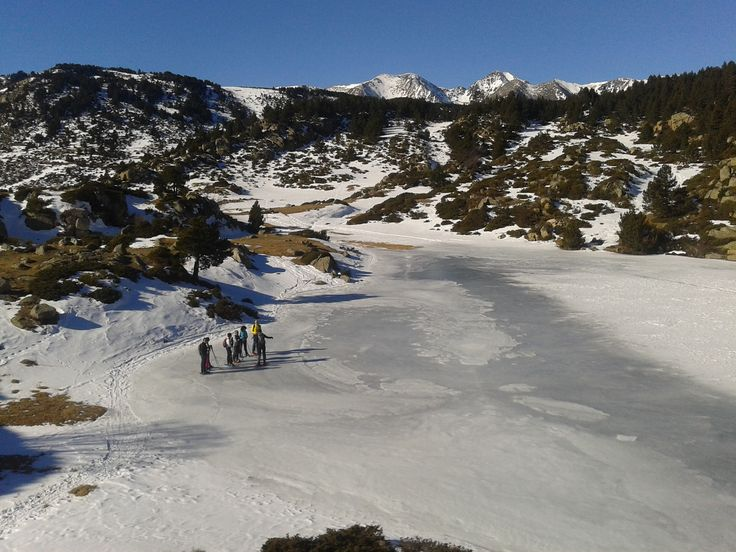 Guided snowshoe hikes in Pyrenees