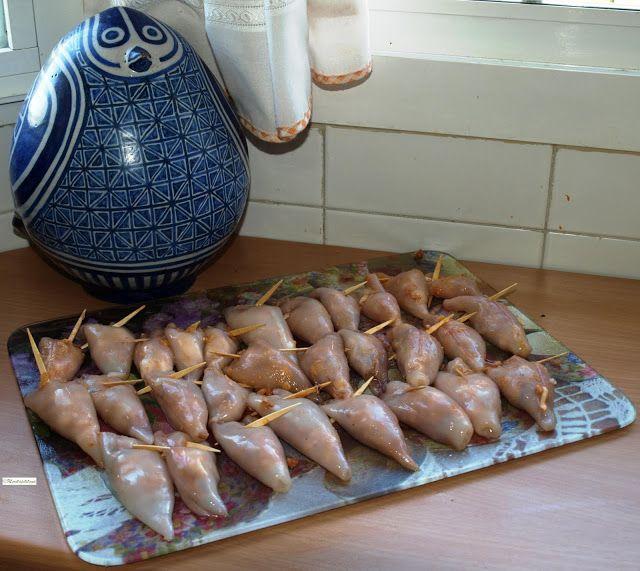 Cocinar es vivir y Bordar también: Chipirones Rellenos /Stuffed baby squid