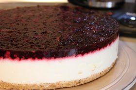 Bu aralar tam bir cheesecake sever olduk.Bu tarifi sofra dergisinde gördüm,hemen not ettim üst meyveli kısmını biraz değ...