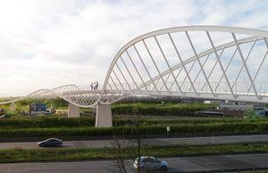 Footbridge over the highway 406 (Créteil, France)
