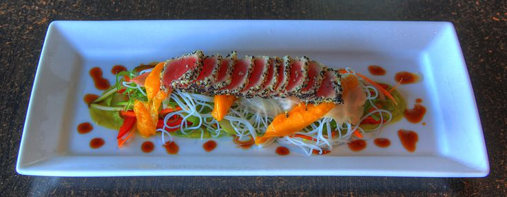 This tuna is to die for! The absolute tropical experience- seafood by the sea!