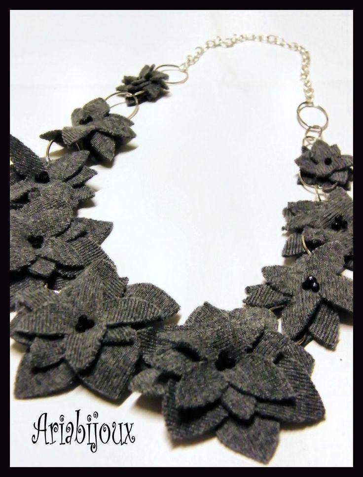 collane di stoffa | Questa è una collana lunga con fiori in maglina grigia, con ...