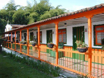 Casas campestres en colombia fachadas de casas for Colores para casas por fuera