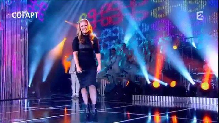 Anastacia - Sings 'I'm Outta Love' for Les Années Bonheur en Vacances 24...