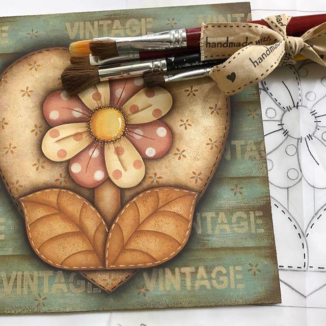 Olá Gente Bonitaaaaaa! Mais um tesouro! Tudo pintadinho a mão  Logo logo vou disponibilizar para imprimir! Beijinhos No ❤️Tania #madeira #decoration #pinturacountry #feitopormim