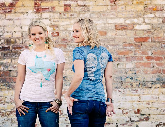 The Rankin Twins looking adorable in their Amy & April namesake t-shirts by T Shirt & Jeans Girl. Southern & sweet, just like these ladies!