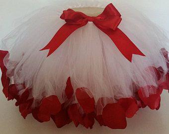 Tutu de pétalo de rosa; Tutu rosa; Smash de pastel; Tutú del recién nacido; Foto de recién nacido Prop; Foto de apoyo; Tutu de niño; Tutu de San Valentín; San Valentín