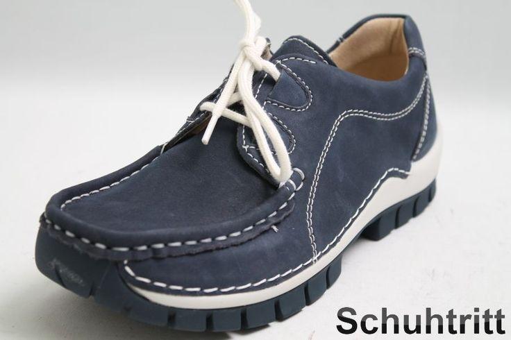 Diese eleganten Wolky Schuhe sind aus einem softigen Nubuk Leder hergestellt, welches mit einer optisch gelungen Mokassin Naht verziert ist. Das Innefutter sowie die funktionelle Wechselsohle dieser Wolky Schuhe besteht komplett aus einem hochwertigen Leder. Den vielseitigen blau Farbton kann zu vielen Gelegenheiten getragen werden.