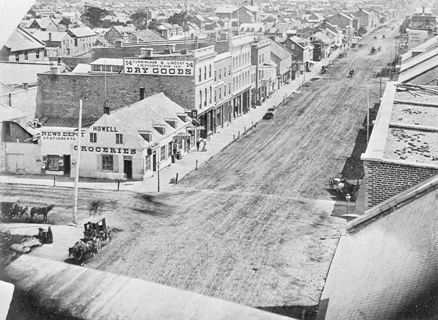 Check out this view of Sussex and Rideau taken some time in 1860s. Wow! #ottawa #history