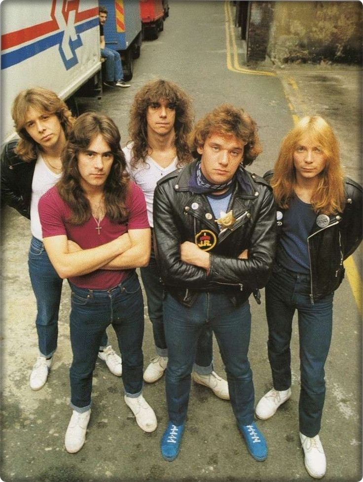 Clive Burr, Steve Harris,Dennis Stratton, Paul Di'anno & Dave Murray