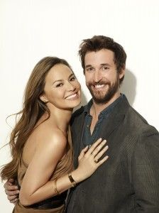 Moon Bloodgood and Noah Wyle as Anne and Tom - Falling Skies