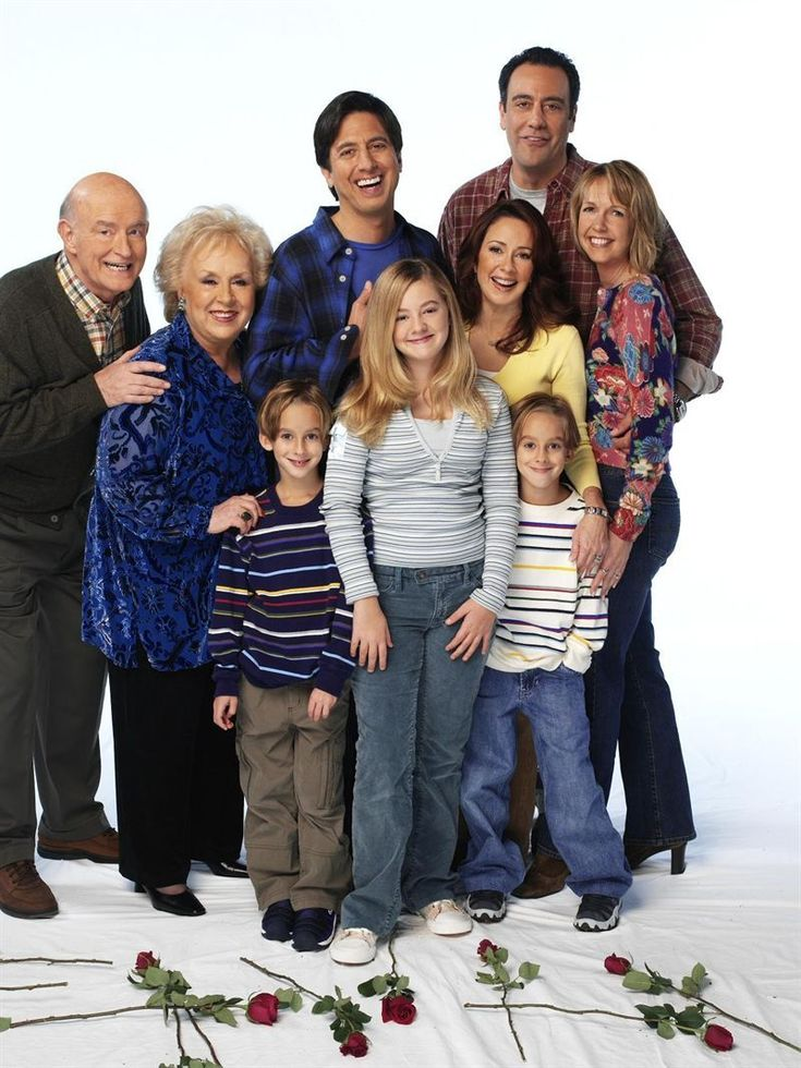 Everybody Loves Raymond (1996–2005) It never stops for successful sports writer Ray Barone, whose oddball family life consists of a fed up wife, overbearing parents, and an older brother with lifelong jealousy.