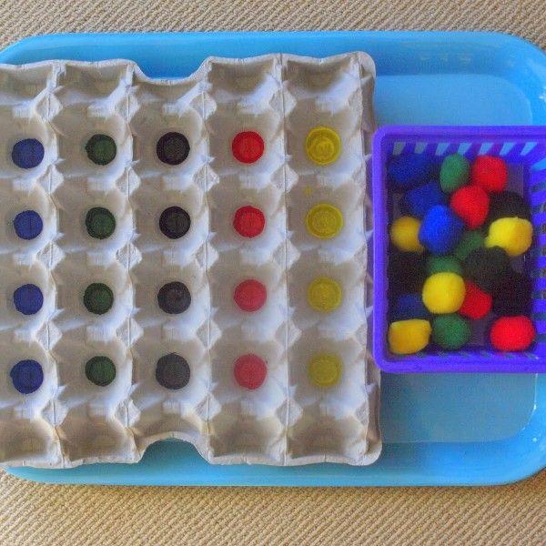 Asociación de colores a través de la metodología TEACCH con material reciclado.