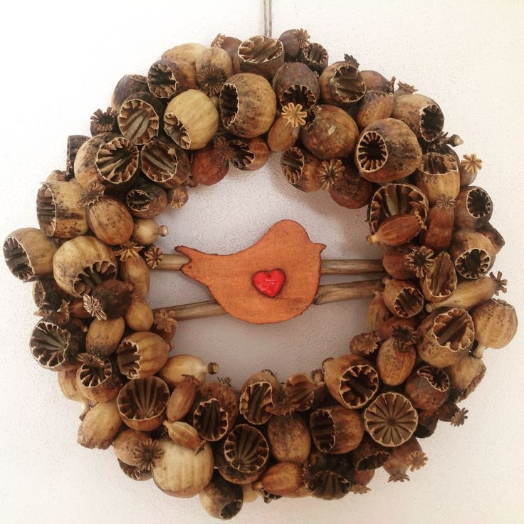 Poppyhead wreath