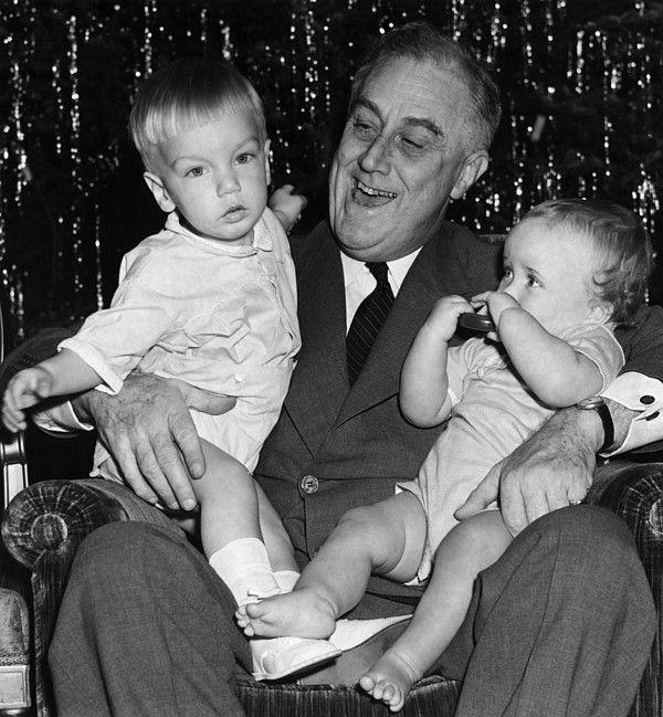 FDR Presidency. US President Franklin Delano Roosevelt with grandchildren, circa late 1930s.