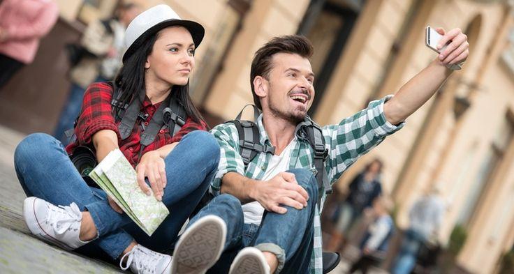 Pojawienie się smartfona zupełnie odmieniło oblicze fotografii amatorskiej. Światowe marki zaczynają wykorzystywać potencjał tkwiący w selfie.