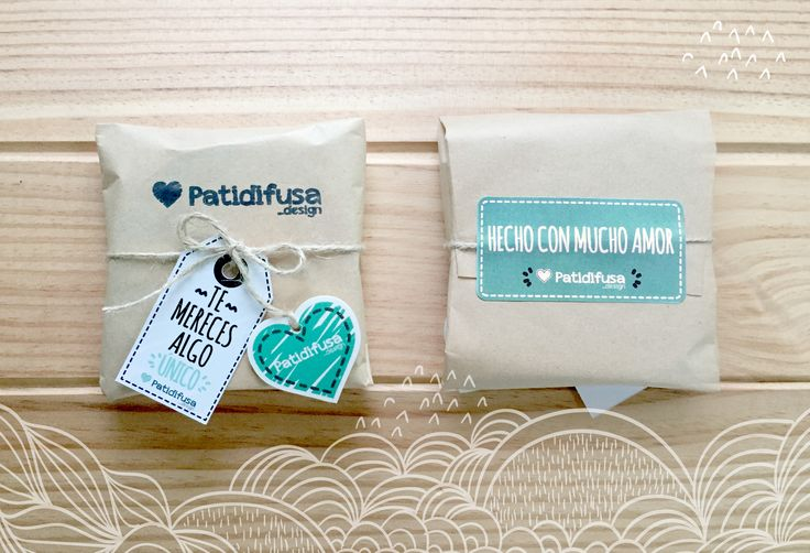 """Packaging la mar de bonito al que añadimos una pegatina que pone: """"hecho con mucho amor"""""""