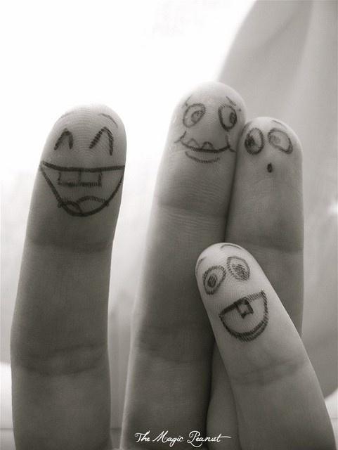 прикольные рисунки на пальцах фото празднование нового года