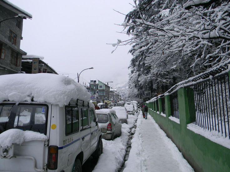 Manali roads in winter