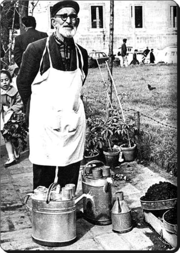 Sucu  (70ler) #Eminonu #birzamanlar #nostalji #istanlook
