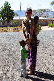 Una Twiga in Tanzania: Dormitorio della scuola di cucito dell'orfanotrofi...