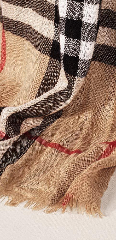 die besten 25 burberry schal ideen auf pinterest burberry schal outfit burberry outfit und. Black Bedroom Furniture Sets. Home Design Ideas