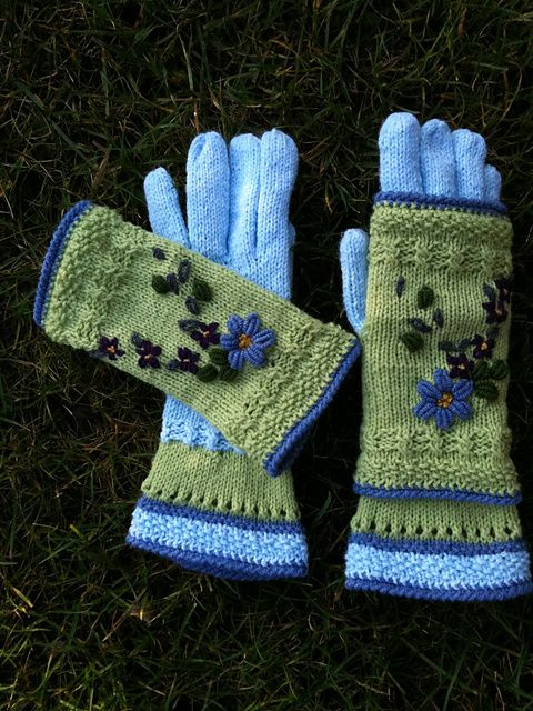 dom-klary's Dance in Heaven. Bright sunny colors gives a charm every winter day. Summer enchanted in 2part - gloves and mitts. Practical and cute.