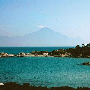 Sithonia towards Mount Athos. Northern Greece. 1992 From the original trip… just before we crossed the border into Turkey we camped on the beach for a few days at the tip of the Sithonia peninsula. Back then it was stunningly beautiful and very quiet.