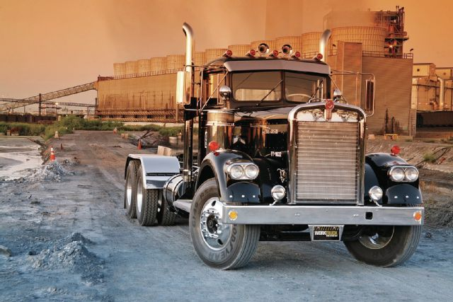 Sweet vintage #Kenworth truck...reminds me of the hubby...