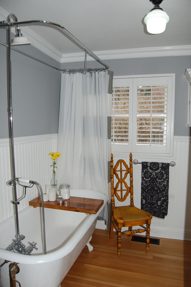 Clawfoot tub - like the shower option - both the shower curtain and faucets