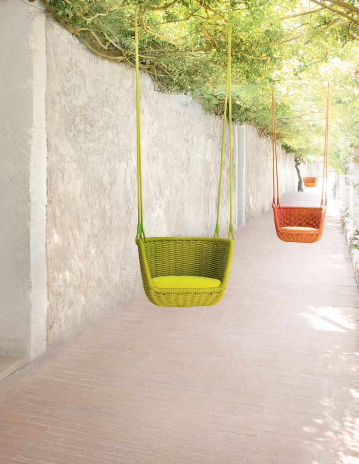 Garden swings for the grown ups - suspended garden chairs