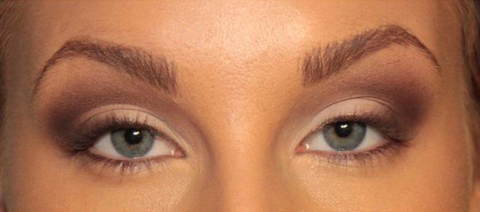 Tutorial: Så förstorar du ögonen med smink | Veckorevyn