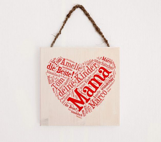 Holzschild für Mama mit persönlicher Botschaft zum Muttertag / wooden sign with cute messages for mother's day made by Herzensprojekt - Handgefertigte Holzschilder via DaWanda.com