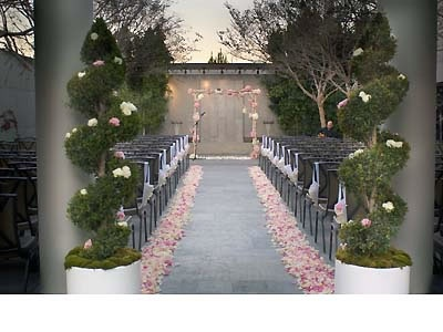 Luxe Sunset  http://www.herecomestheguide.com/southern-california/wedding-venues/luxe-hotel-sunset-boulevard-bel-air/http://www.herecomestheguide.com/southern-california/wedding-venues/luxe-hotel-sunset-boulevard-bel-air/