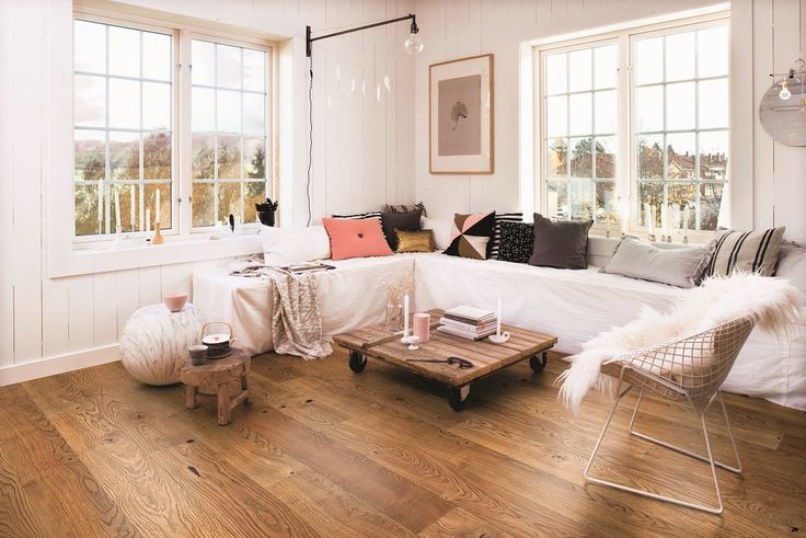 A living room to feel comfortable in. BOEN Parkett