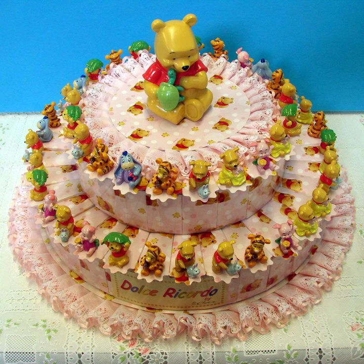 Italian Favor Cake with  Disney Winnie the Pooh, 54 boxes http://www.tortebomboniere.com/bomboniere/walt-disney-favor-cake.html
