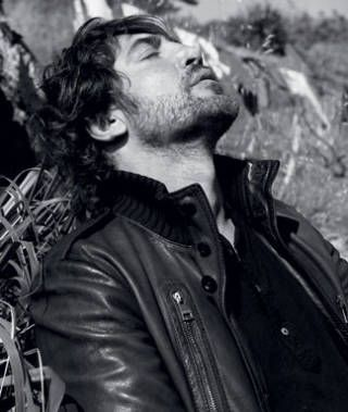 """Don`t you dare to say he`s not the hottest man in the hole world.... and the best actor. Loving him since """"Jamòn jamòn""""."""